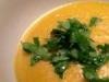 Sopa de grão com um cheirinho de caril