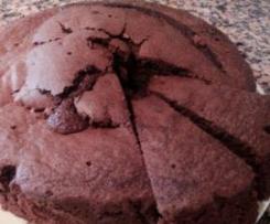 Bolo de Chocolate (simples e fofo)