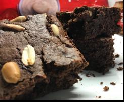 Brownie de courgette e amendoim