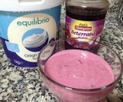 Molho de iogurte e beterraba