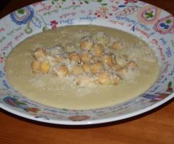 Sopa de Alho-Francês e Grão
