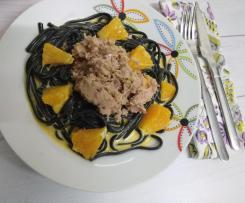 Linguine com atum fresco e molho picante de laranja