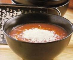 Sopa de tomate e parmesão