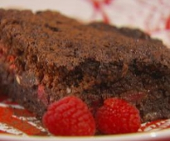 Brownie de chocolate com framboesas (Cook yourself thin)