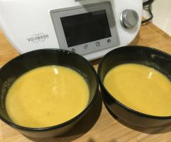 Creme de abóbora assada com mel e avelãs