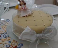 Bolo 1ª comunhão da Laura (bolo tipo pão de ló com recheio de ovos moles e canela)