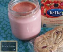 iogurtes de bolachas e chá de frutos vermelhos