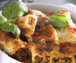 Cannellone com carne picada e molho de tomate