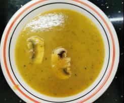 Sopa de legumes e cogumelos