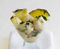 Lâminas de abacaxi com gelado de coco