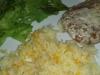 Hamburgueres a vapor com arroz de cenoura