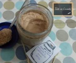iogurte de hortelã-menta, chocolate e cardamomo