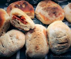 Pão com Chouriço e Manteiga com Salsa e Alho