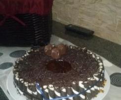 bolo de chocolate com coberturs humida