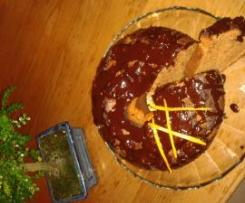 Bolo de Chocolate com Molho Negro de Laranja