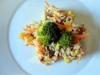 Arroz integral com atum e legumes
