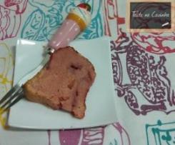 bundt de gelatina e morangos