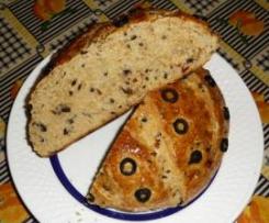 Pão de tomate seco ao  sol e azeitonas