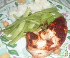 Salmão masala com arroz basmati e feijão verde
