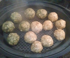 almondegas de espinafres e cogumelos com queijo