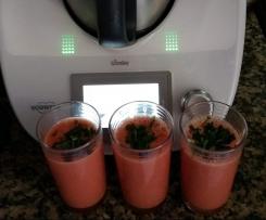 Sopa fria de melancia e tomate