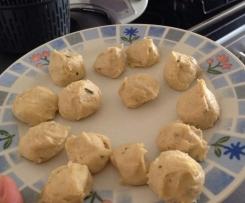 Gnocchi (Nhoque) de batata e farinha c/ carbonara de atum e manjericão