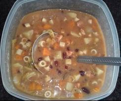 Sopa rica  de Feijão