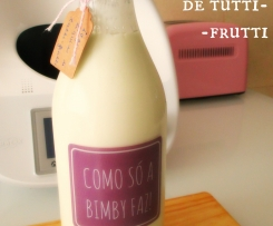 Iogurte líquido com aroma a tutti-frutti