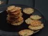 Crocantes de parmesão com tomilho e curgete
