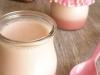 Iogurte de coco com curd de framboesa