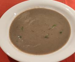 Sopa de cogumelos e feijão branco