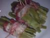Rolos de bacon e feijão verde ao vapor
