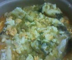 Massa de bacalhau com ovo cozido