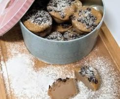 """""""Queijadas"""" de romã e marmelo com pepitas de chocolate"""