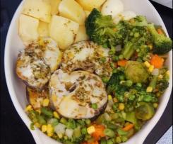 Pescada com batatas e legumes ao vapor