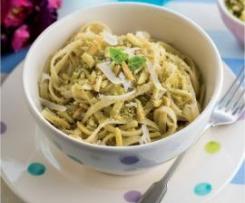 Fettuccini com pão ralado aromatizado com ervas