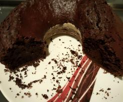 Bolo de chocolate, café e cacau