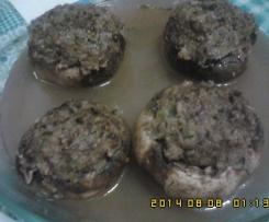 cogumelos rechiados á maneira a vapor