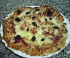 Pizza com massa alta e fofa
