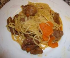 Carne Guisada com Cenoura e Esparguete