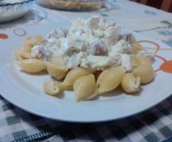 Conchas Al Dente com frango com molho de natas e courgette