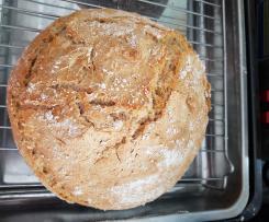 Pão caseiro com farinha de semente e integral