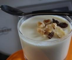 Iogurte de leite condensado com ananás