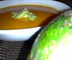Sopa fria de Tomate e Abacate
