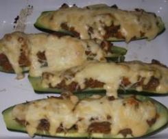 Courgettes Recheadas com Carne e Legumes