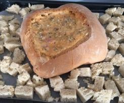Pão recheado com bacon, cogumelos e camarão