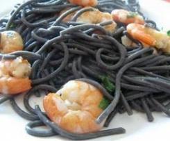 Gambas com esparguete nero