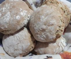 Pãezinhos de cereais com massa-mãe