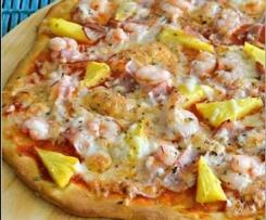 Pizza de camarão, bacon e ananás