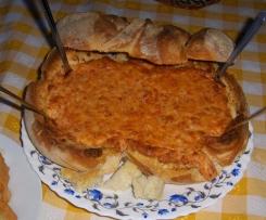Pão recheado com 3 queijos e chouriça